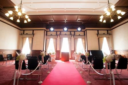【京都結婚式×京都府庁Wedding】バージンロードに飾ります♪