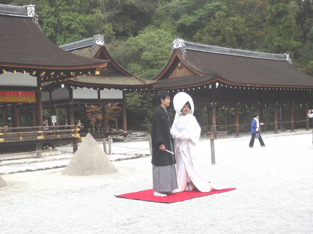 【上賀茂神社結婚式】本殿前御籍屋での挙式